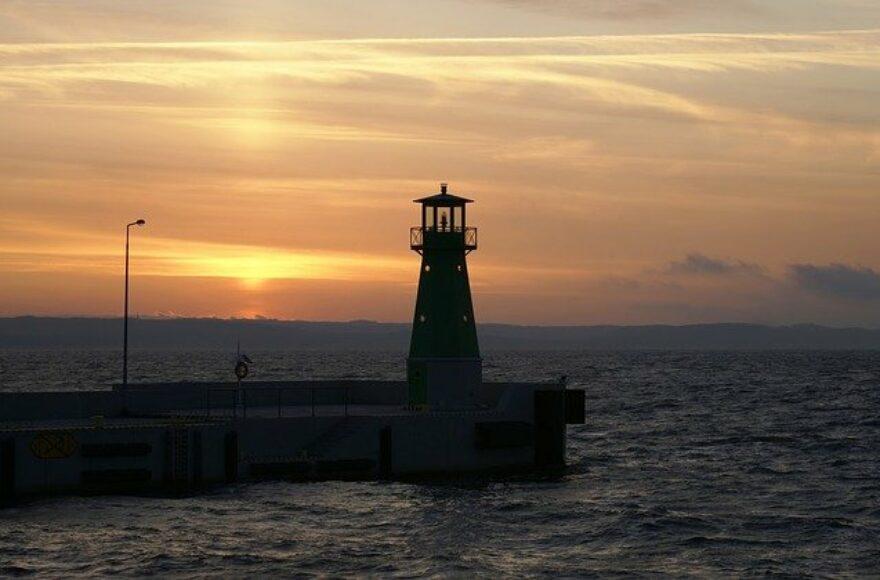 sea-1759559_640