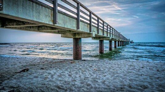 sea-bridge-3984927_640