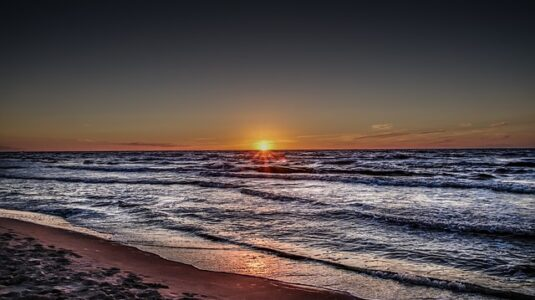 sunset-3418929_640